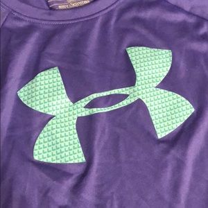 Under Armour Shirts & Tops - Girls Under Armour long sleeve shirt
